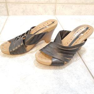 Hush Puppies leather slides size 7M black sandals